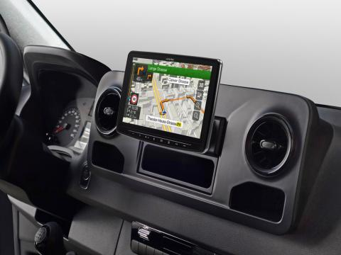 INE-F904S907_Designed-for-Mercedes-Sprinter_built-in-Navigation