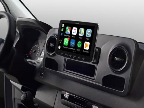 iLX-F903S907_Designed-for-Mercedes-Sprinter_with-Apple-CarPlay-compatibility