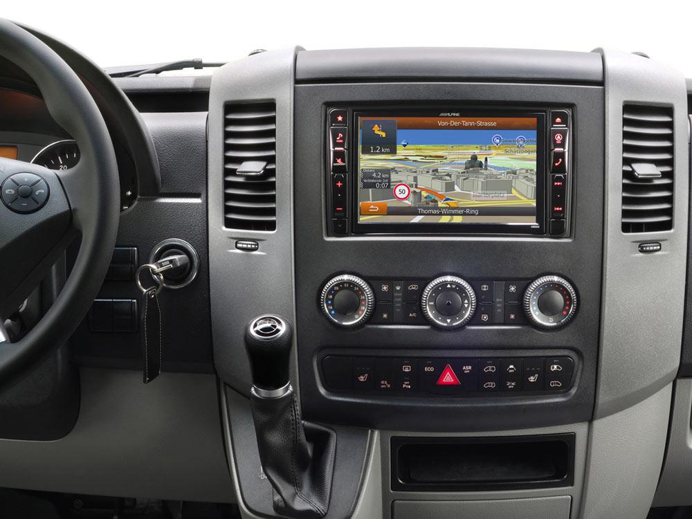 Mercedes-Sprinter-906-Navigation-OEM-Original-Replacement-Radio-Installation-Kit-Interface-SWRC-X800D-S906_01.jpg